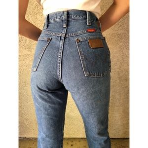 VINTAGE | Woman's cut made in the USA Wranglers